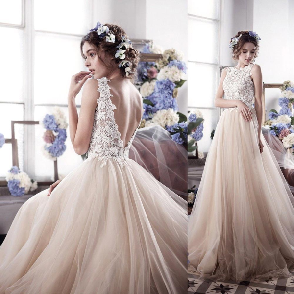 Appliques Romantic Tulle Sleeveless Vintage Wedding Dress