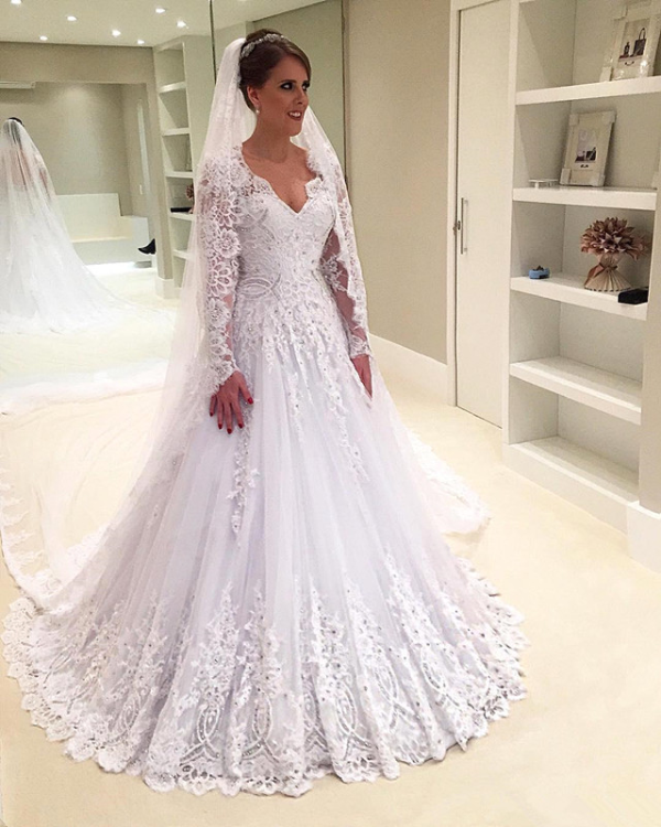 Elegant V-Neck Appliques A-Line Tulle Beadings Long-Sleeves Wedding Dress