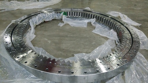 Cylindrical roller slewing ring bearing for excavator and crane