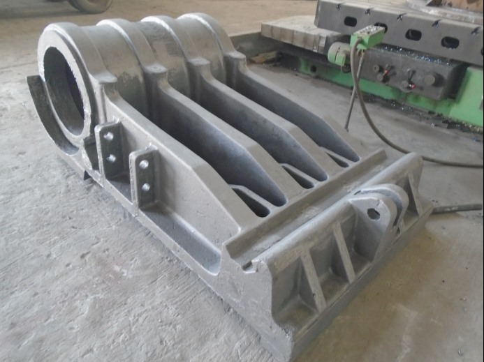 1.              Sand casting pitman and movable jaw carbon steel casting for crusher1165.png
