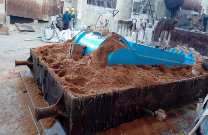 1.              Sand casting pitman and movable jaw carbon steel casting for crusher1032.png