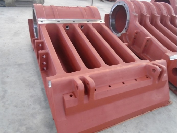 1.              Sand casting pitman and movable jaw carbon steel casting for crusher1235.png