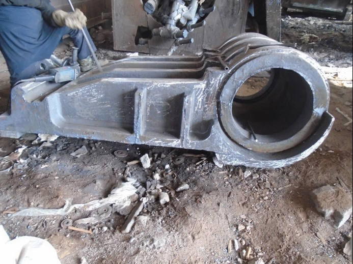 1.              Sand casting pitman and movable jaw carbon steel casting for crusher1141.png