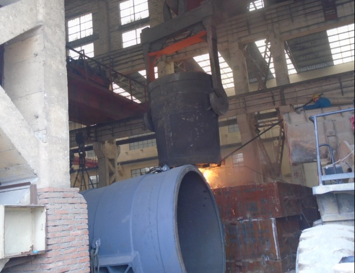 1.              Sand casting pitman and movable jaw carbon steel casting for crusher1046.png