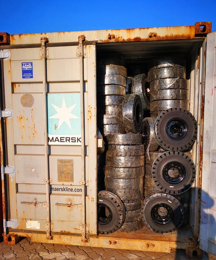 Solid  tire_ unpacked loading continer (8).jpg