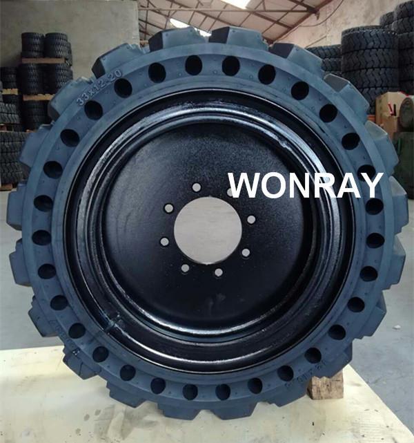10-16.5 tire & black rim.jpg