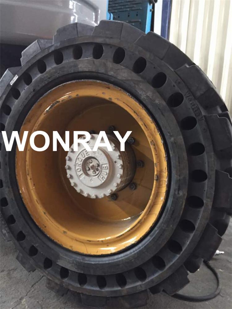 38.5 14-20 solid tire Genie z60 (4).jpg