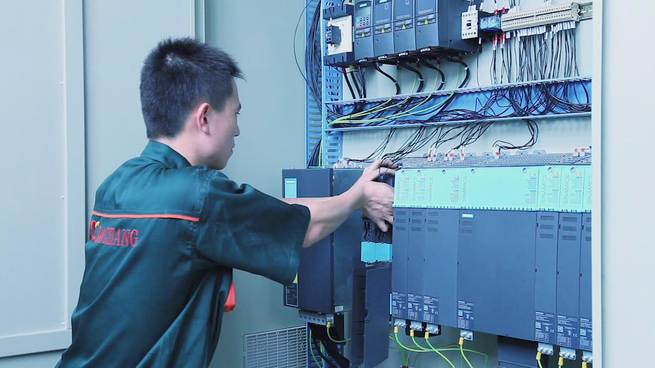 Installing electric part.jpg