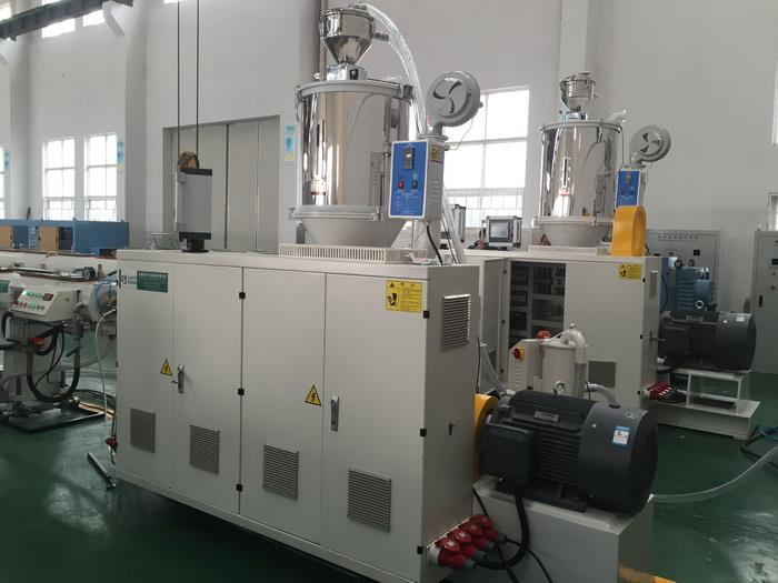 Single screw extruder.jpg