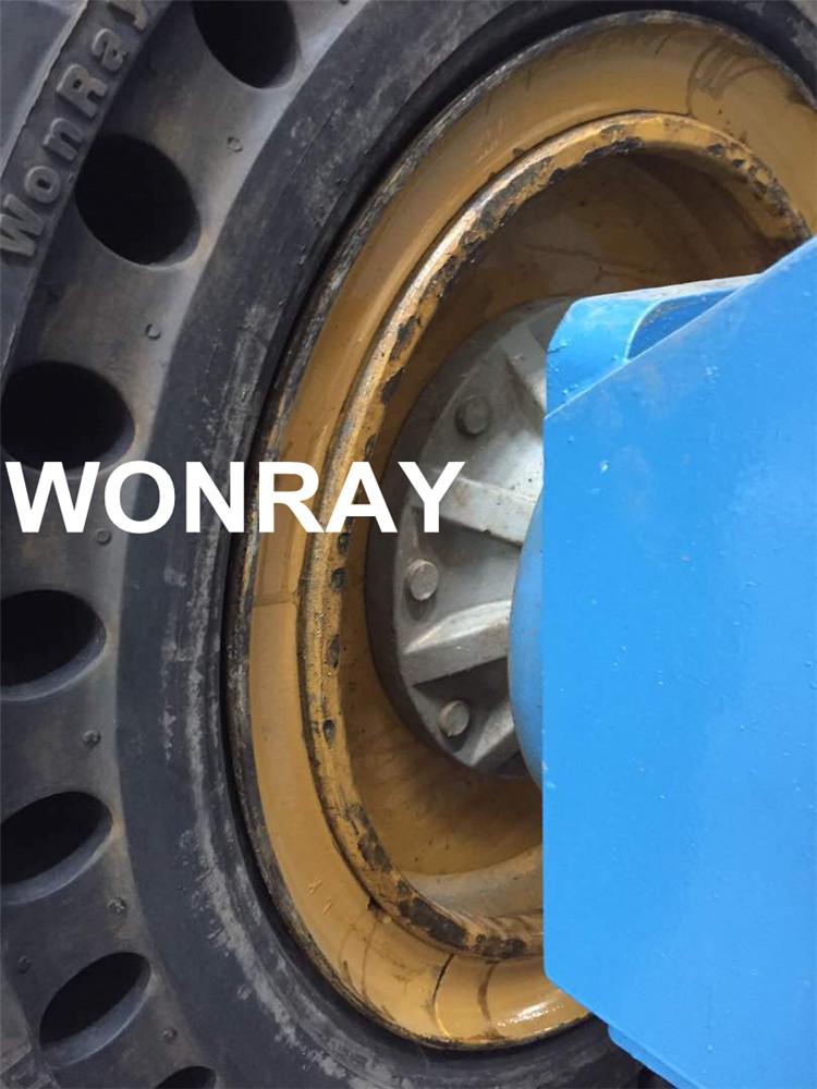 38.5 14-20 solid tire Genie z60 (3).jpg