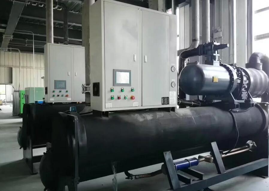 800kw water cooled screw chiller.jpg