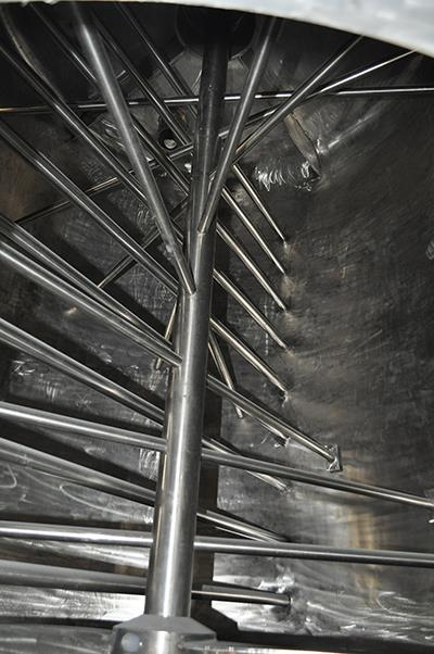 Main shaft and mixing rods.JPG