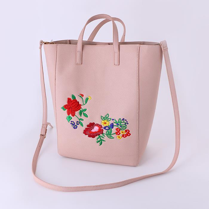 Wild fashion embroidered shoulder bag.JPG
