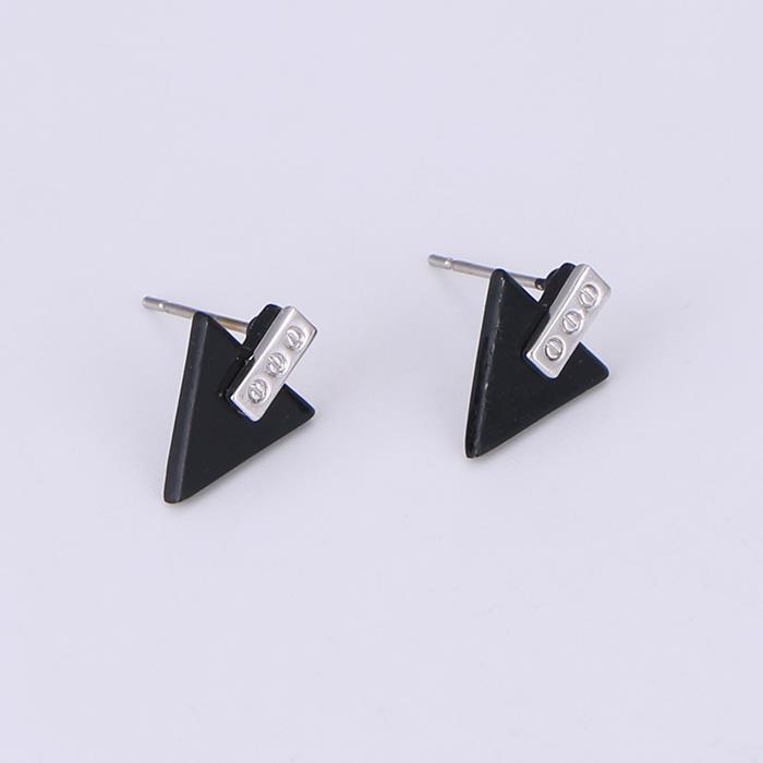 Simple Triangle Stud Earrings .JPG