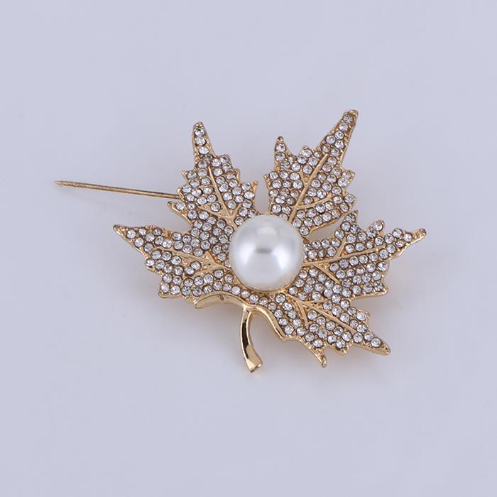 Charm Clear Crystal Rhinestones The Maple Leaf Brooches.JPG