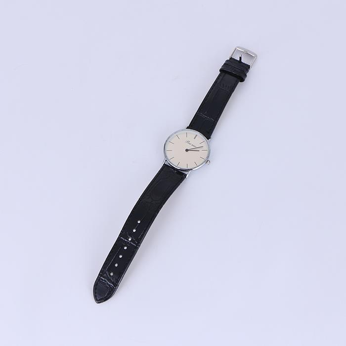 Simple retro thin atmospheric quartz watch.jpg
