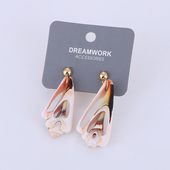 Personality beach seaside holiday wind natural conch shell earrings.jpg
