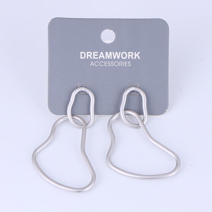Simple metal twisted earrings .JPG