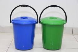plastic bucket .jpg