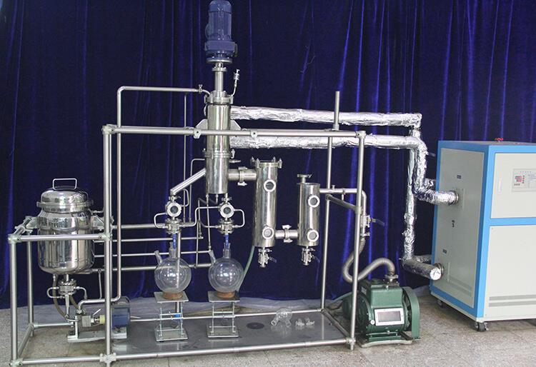 essencial oil molecular distillation