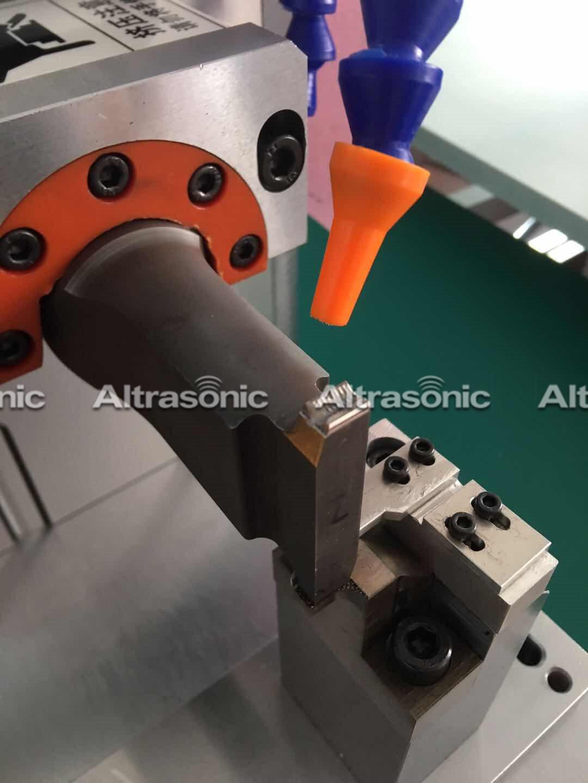 Ultrasonic metal spot welder (13)