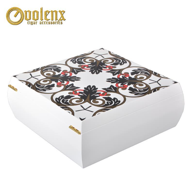 white wooden perfume box-2
