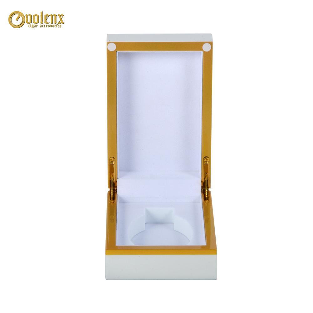 white wooden perfume box-101