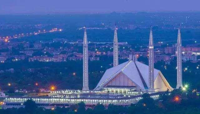 Pakistan Launches 5.2 Trillion Rupee Investment Plan, Projects Involving Optical Fiber, 5G, etc.