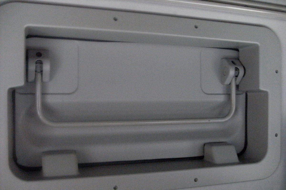 SHACMAN RHD Tractor Truck Head Interior 2