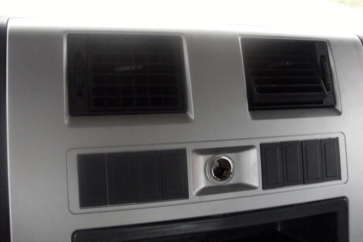 SHACMAN RHD Tractor Truck Head Interior 8