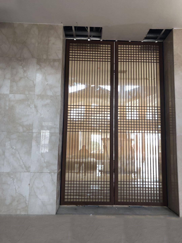 Hotel high front aluminum pivot door